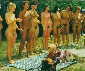 Vintage margin nudist..